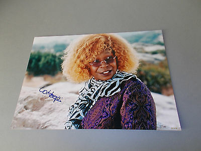 Whoopi Goldberg  signed signiert autograph Autogramm 20x28 Foto in person