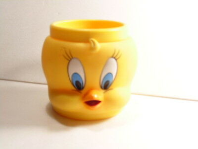 Warner Bros. cartoon character:  Tweety Bird plastic cup, dated 1992