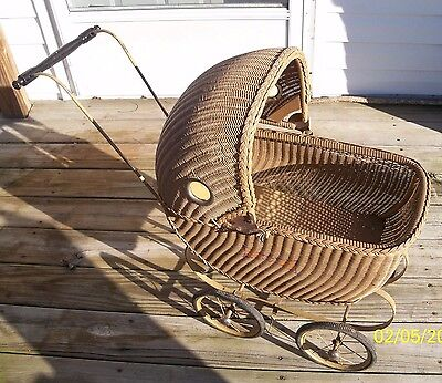 Antique/Vintage Wicker Baby Buggy/Carriage/Pram
