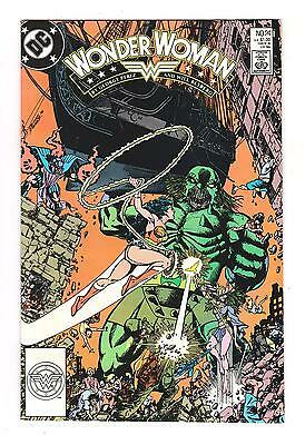 Wonder Woman 24 (Vf/nm) Combat Zone ( Movie Coming Out)*