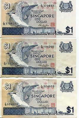 Lot of 3 1976 Singapore Board of Commissioners of Currency 1 Dollar Notes. P#9.
