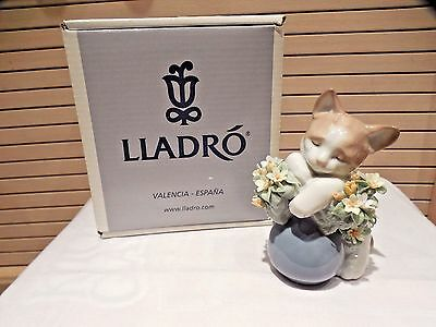 Lladro Sleepy/dreamy Kitten Figurine--Spain--#6567--Mib