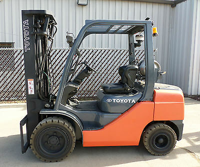 Toyota Model 8FGU30 (2009) 6000lbs Capacity Great LPG Pneumatic Tire Forklift!!!