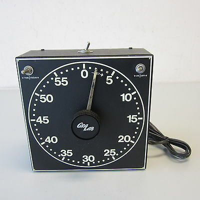 Gralab Model 300 Electric Darkroom Timer w/Luminescent Dial