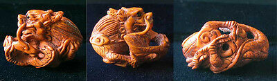 HAND Carved BOXWOOD Wise Crouching DRAGON Bead 4128CW