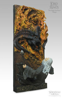 You Shall not Pass! Wall Plaque -  Sideshow  Weta Balrog + Gandalf