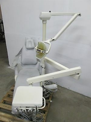 Royal 16 Dental Operatory Exam Chair w/ Biotec Delivery and Exam Light