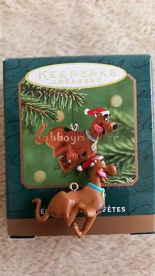 Hallmark 2001 Scooby-Doo Miniature Christmas Ornament