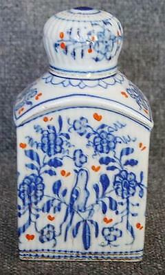 Lovely Antique Chinese Export Tea Canister Tea Caddy With Bird Motif