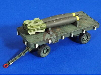 Verlinden 1/32 VP 2758 US Bombs trailer with Snakeeyes Bombs