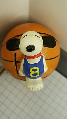 1966 SNOOPY ON TOP OF BASKETBALL VINTAGE  CERAMIC BANK  PEANUTS w/ Pluge