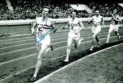Sir Roger BANNISTER Signed 12x8 Photo Autograph AFTAL COA First Four Minute Mile