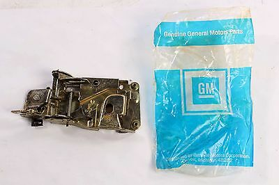 New 9839008 GM OEM Door Lock Assembly 1971-74 Chevy GMC Truck