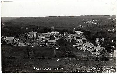 R.p.postcard Golden Lion Hotel-Church-Looking Into Allendale Town-Northumberland