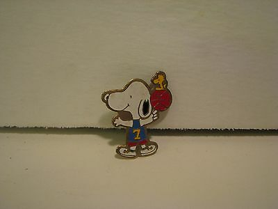 SNOOPY & WOODSTOCK IN BASKETBALL JERSEY WITH BALL, United Features 1  1/2 inch