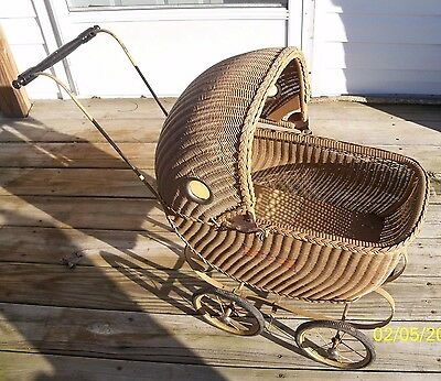 Antique/Vintage Wicker Doll Baby Buggy/Carriage/Pram