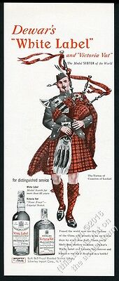 1950 Clan Cameron of Lochiel tartan bagpipes art Dewar's Scotch whisky print ad