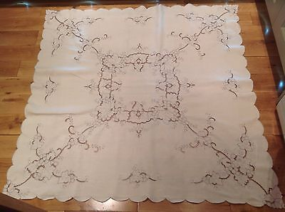 """Vintage Madeira Embroidered Ivory Linen Tablecloth Grape Vine 50"""" X 50"""" Vgc"""