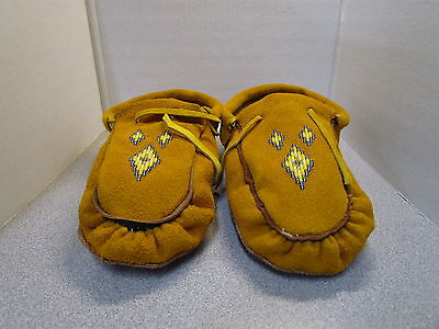 Beautiful Authentic Native American Beaded Moccasins-  9.5 Inches