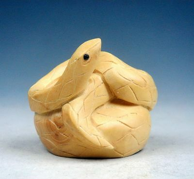 Boxwood Hand Carved Netsuke Sculpture Miniature Fat Curly Snake Twine #01211707