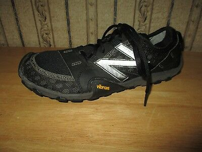 PRE-OWNED men's black NEW BALANCE MINIMUS athletic shoes - size 7 1/2