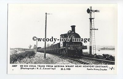 pp1998 - W2 Train from Medina Wharf, near Newport on the I.O.W.- Pamlin postcard