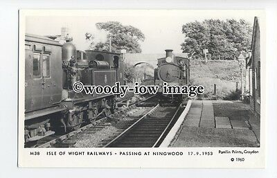 pp1999 - Isle of Wight Railways, Train at Ningwood in 1953 - Pamlin postcard