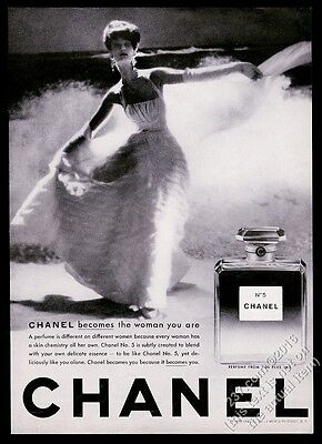 1959 Chanel No.5 perfume bottle woman in dress photo vintage print ad