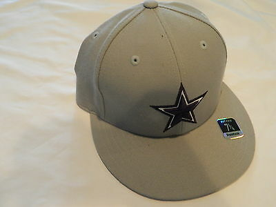3f853bc0164e3 Team Dallas Cowboys NFL Reebok Team Apparel Grey Fitted Size 7 1 4 NEW WITH