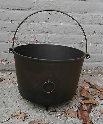 Old Antique Cast Iron Footed Kettle w. Handle Lancaster PA