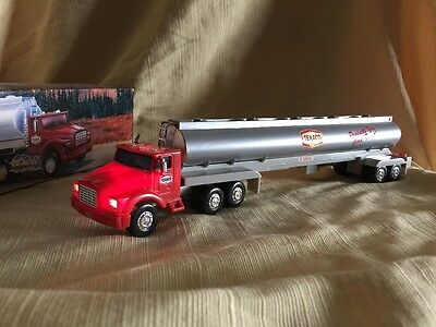 """The Texaco Toy Tanker Truck """"1975""""  1995 Edition"""