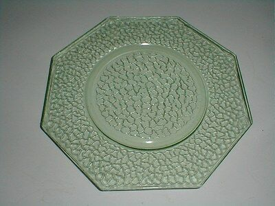 """L E Smith Crackle Glass Green BY CRACKY Octagonal 8"""" Plate/s (loc-X26)"""