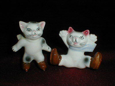 Puss in Boots Ice Skating Hand Painted Cat Kitten Salt Pepper Shakers - Cute