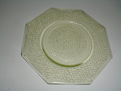 """L E Smith Crackle Glass BY CRACKY Canary Yellow 8"""" Octagon Plate"""