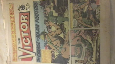 THE VICTOR COMIC 104 FEB. 16TH 1963 CHARM OF MAJOR PORTEOUS vintage well worn