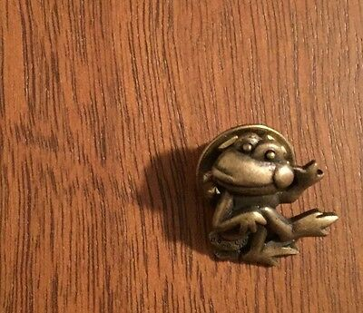 Gold Toned Frog Lapel Pin