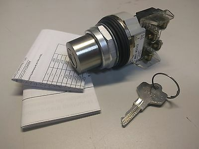 Allen Bradley 800T-H3312A Cylinder Lock Selector Switch 2 Pos Maint. Ser T Nnb