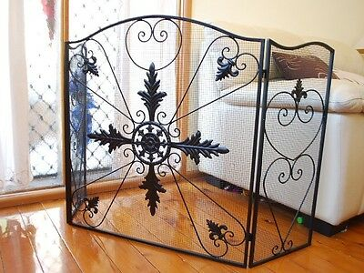 QUALITY Hand Iron French Style Fireplace Screen Fire Guard Shield 3 Panel BLK003