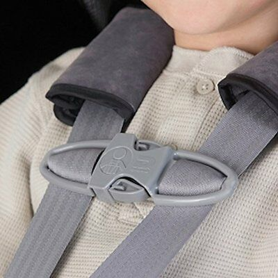 Harness clip suitable for both adults & kids to feel protected byDiono