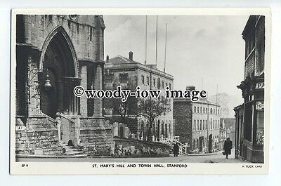 tq0887- Lincs - St. Mary's Hill, Church & the Town Hall, in Stamford - Postcard