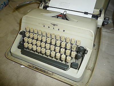 Typewriter manual ADLER GABRIELE 20 nice usable condition hard black &cream case