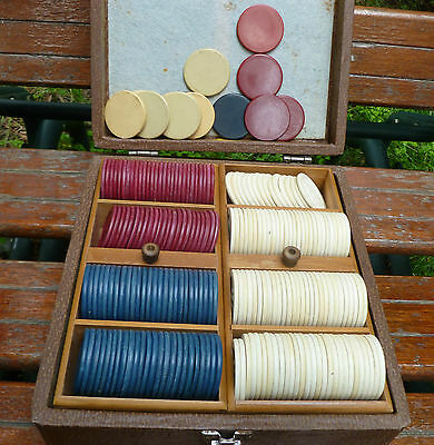 Vintage Lowe Jockey Race Horse Molded Clay Poker Chip Set