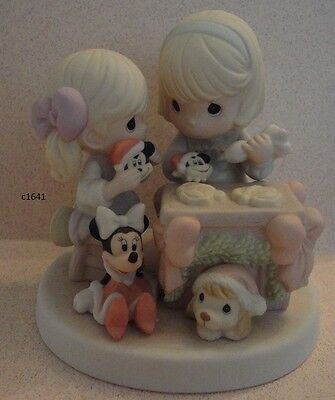 Precious Moments Disney NOTHING'S SWEETER THAN TIME TOGETHER Cookies mint in box