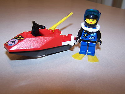 Lego 2536 Divers Jet Ski City Town Divers Shell 100% Complete FREE SHIPPING
