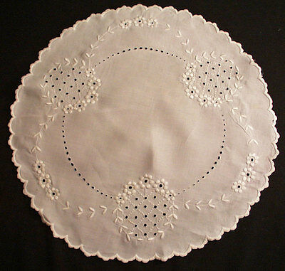"Lovely Victorian Doily Centerpiece Raised Floral Embroidery 19-1/4"" Round"