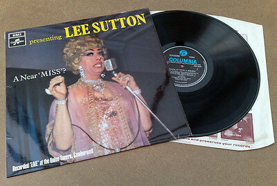 """ Presenting Lee Sutton  A Near ' Miss '  ""superb Uk Vrare Blue/black Stereo Ts"