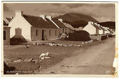 R.p.postcard Bungalows-Slievemore Mountain-In Dooagh Village-Achill-Co. Mayo