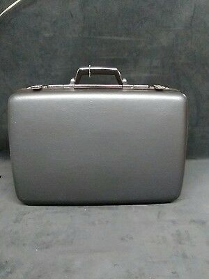 Vintage AMERICAN TOURISTER  Gray Suitcase Luggage without keys . Off-white insid