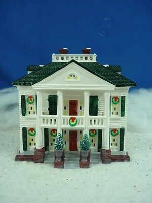 Dept 56 Snow Village Southern Colonial #54038 * (1520)