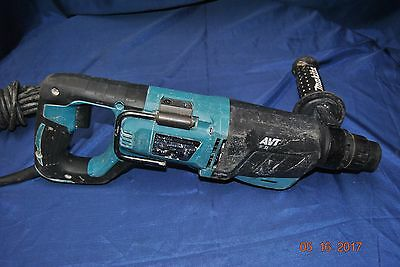 """Makita 1"""" Hammer Drill With Handle Hr2641"""
